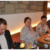 Markus Hümpfer im Gespräch mit den Mitgliedern der SPD Iphofen (Bild: J. Kößler)